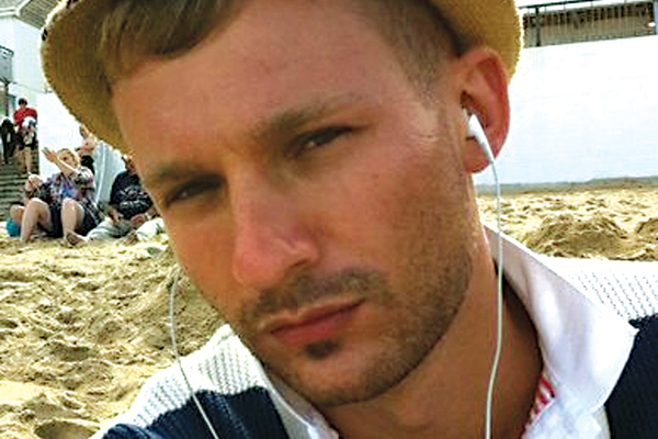 newquay gay singles Singles for love and new friends in newquay, uk meet local meles and females, girls and boys, video chat, parties and fun.