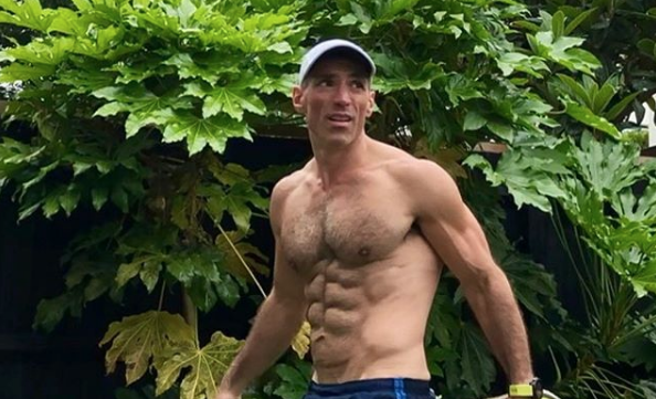 gay bodybuilder dating app